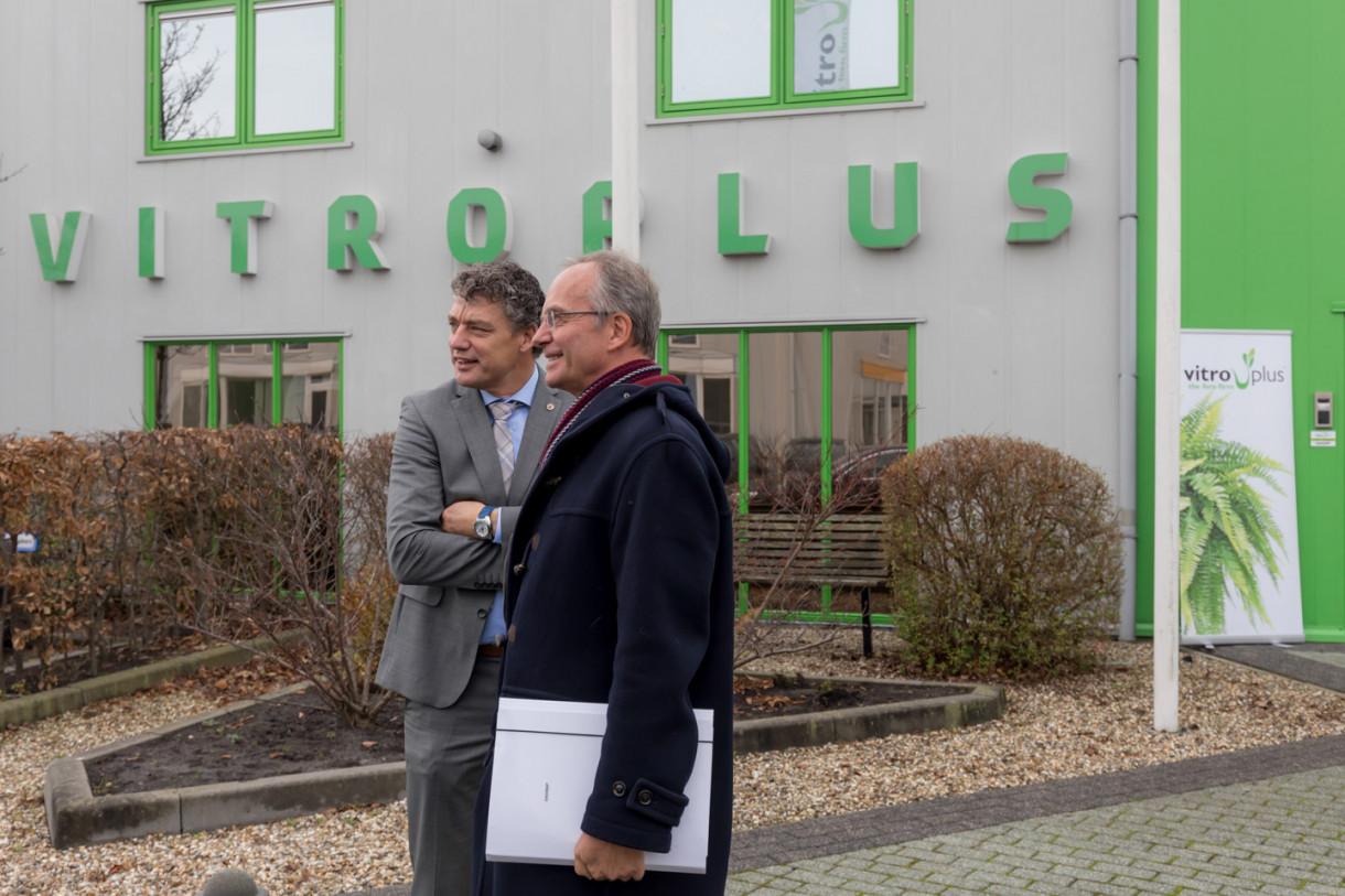Minister Kamp bezoekt Vitro Plus